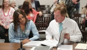 Lindsey and her attorney Brian Bishop (credit: Alley Cat Allies)